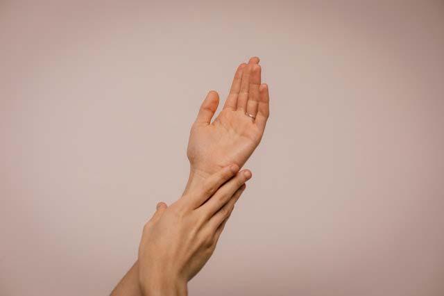 5 sposobów, jak dbać o wrażliwą skórę